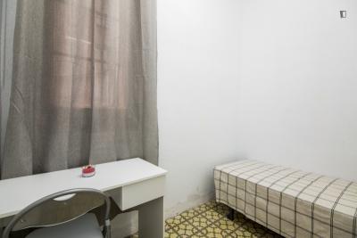Appealing single bedroom in Vila de Gràcia