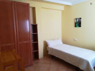 Sublime single bedroom in Barrio del Oeste