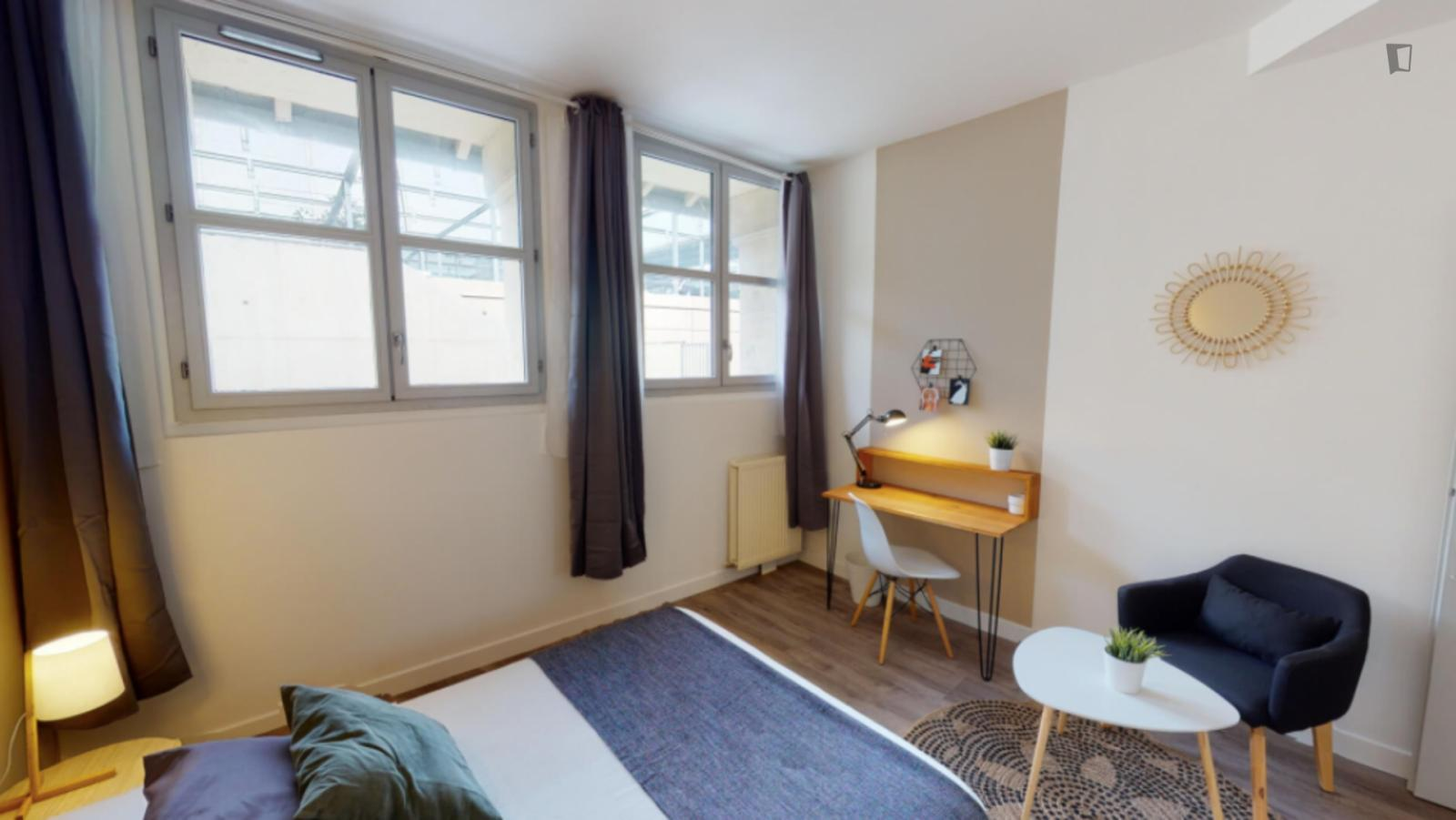 Rue des Deux-Ponts, Montpellier, FR-34 - 544 EUR/ month