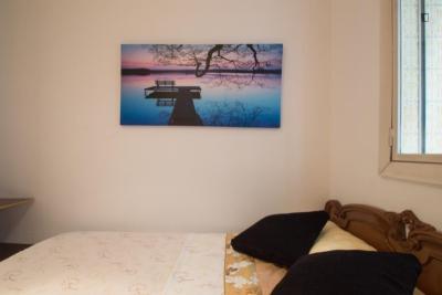 Private Double Bedroom Close to Plaza Espanya