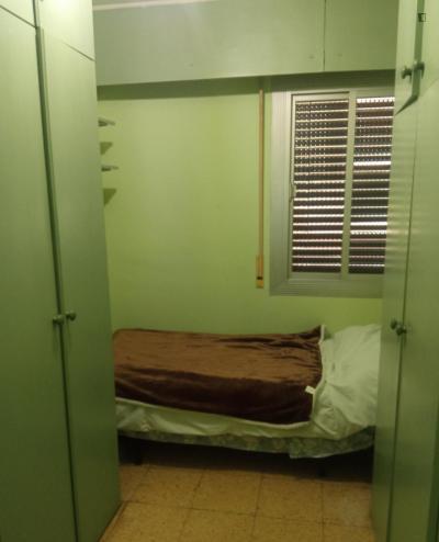 Homely single bedroom in El Marina de Port