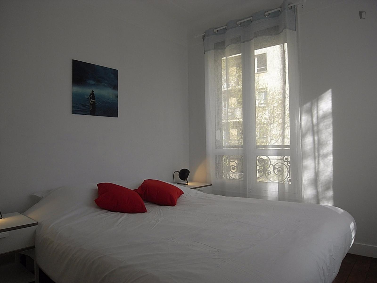 Rue Saint-Charles, 15th arrondissement of Paris, FR-75 - 1,720 EUR/ month