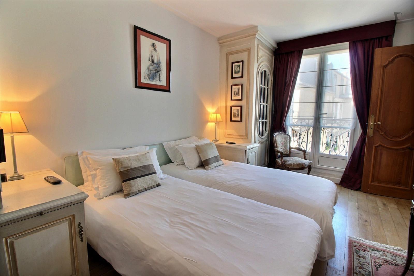 Rue d'Arcole, 4th arrondissement of Paris, FR-75 - 3,030 EUR/ month
