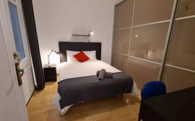 Enjoyable double bedroom in Sant Gervasi-Galvany