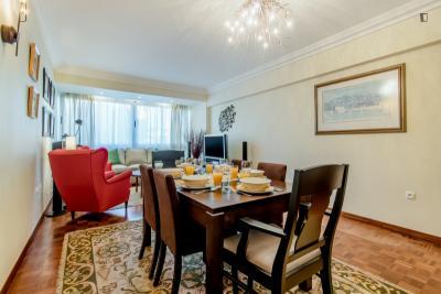 Charming 3-bedroom apartment near Telheiras metro station