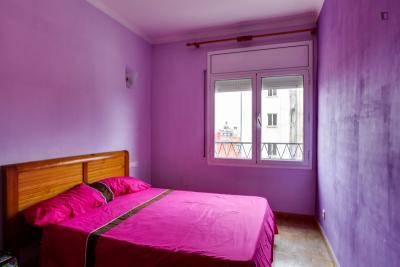 """Double bedroom near to metro Fabra I Puij 10"""" from center city"""