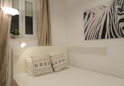Bright double bedroom near Rubén Darío metro station
