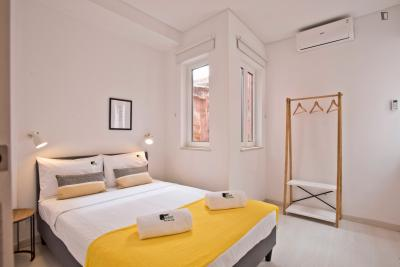 1-Bedroom apartment near São Bento metro station