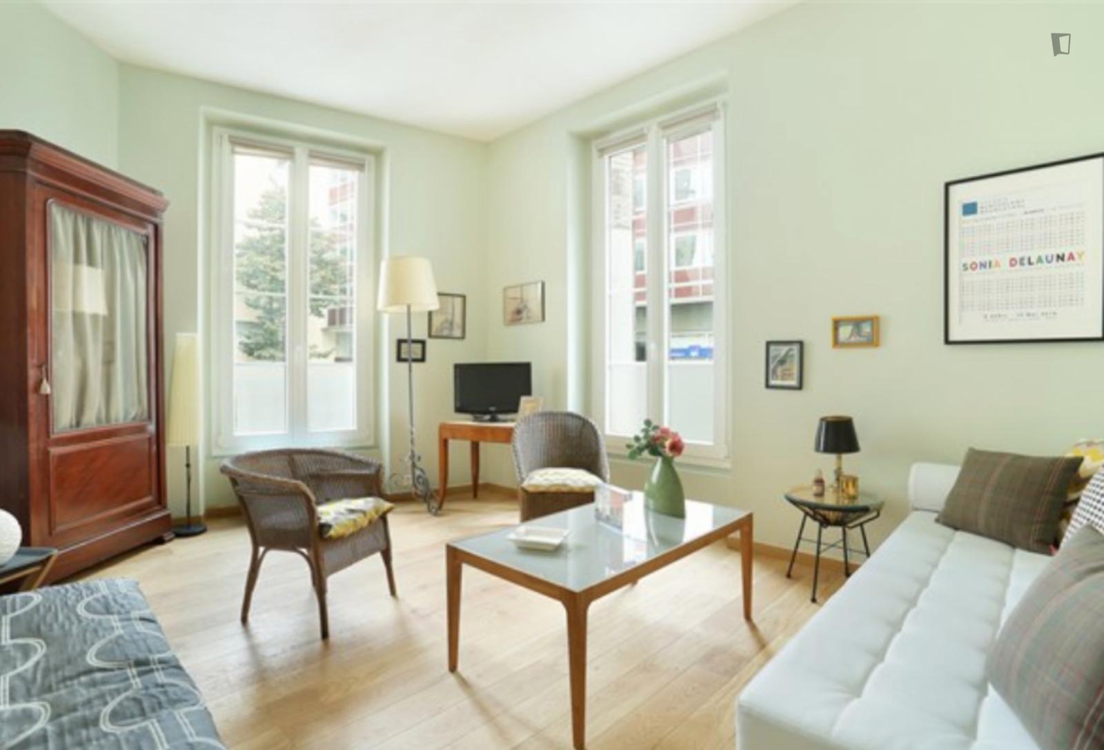 Rue Dulac, 15th arrondissement of Paris, FR-75 - 1,668 EUR/ month