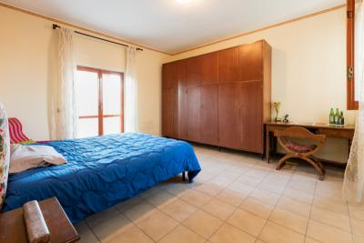 Delightful bedroom in Tor Vergata, near Anagnina metro station