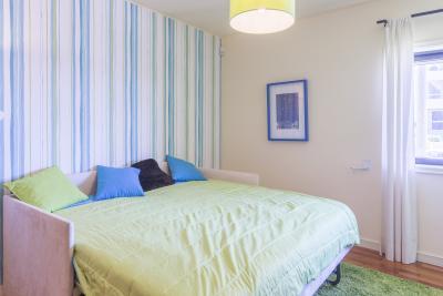 Splendid double bedroom in beachside Foz do Douro