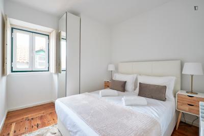 Modern 3-bedroom apartment near Praça Luís de Camões