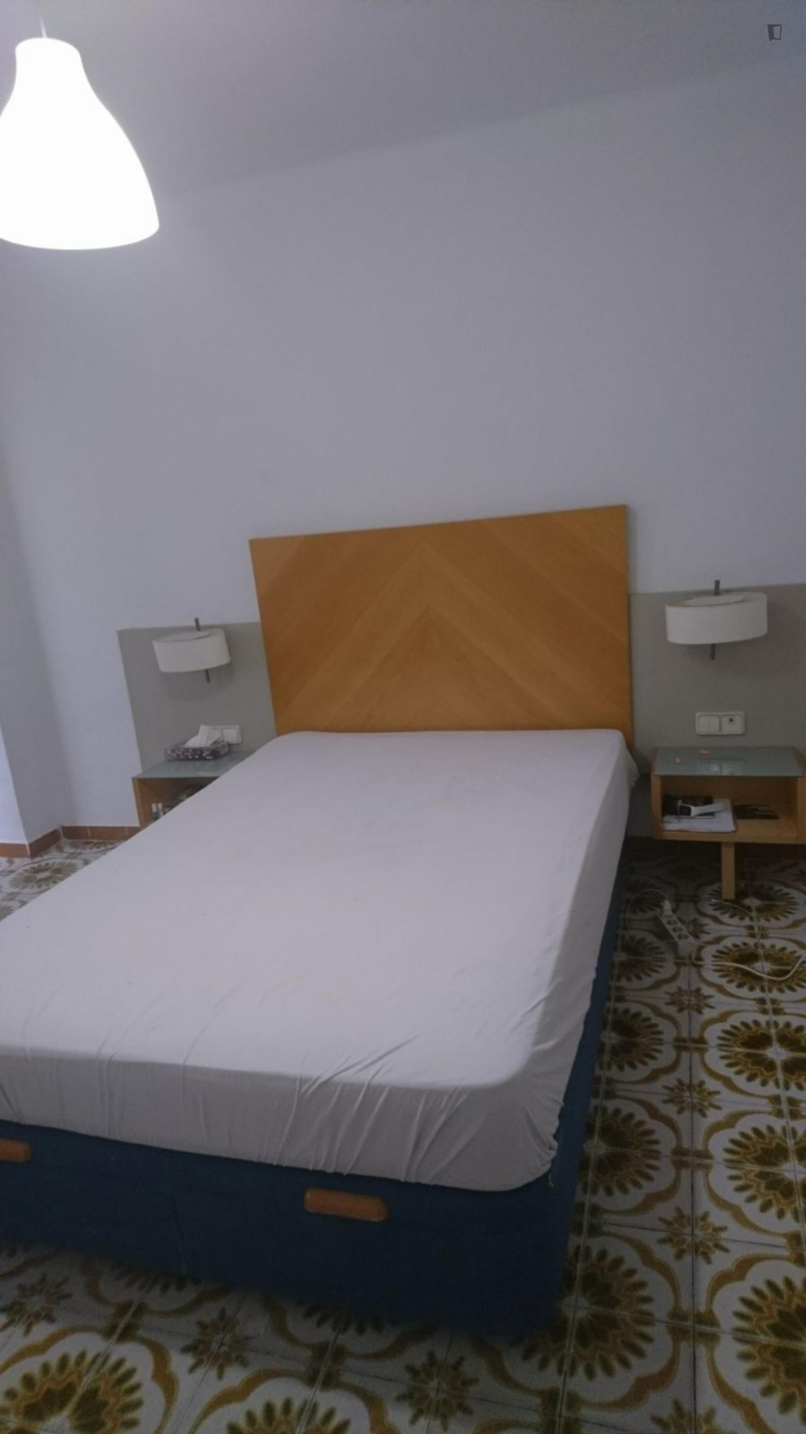 Carrer de Benicarló, VALENCIA, AZ - 450 USD/ month