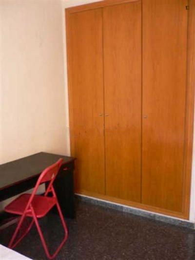 Student-friendly single bedroom, in a 4-bedroom flat in Benimaclet