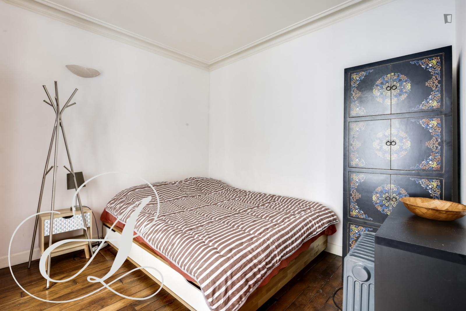 Rue Durantin, 18th arrondissement of Paris, FR-75 - 1,265 EUR/ month