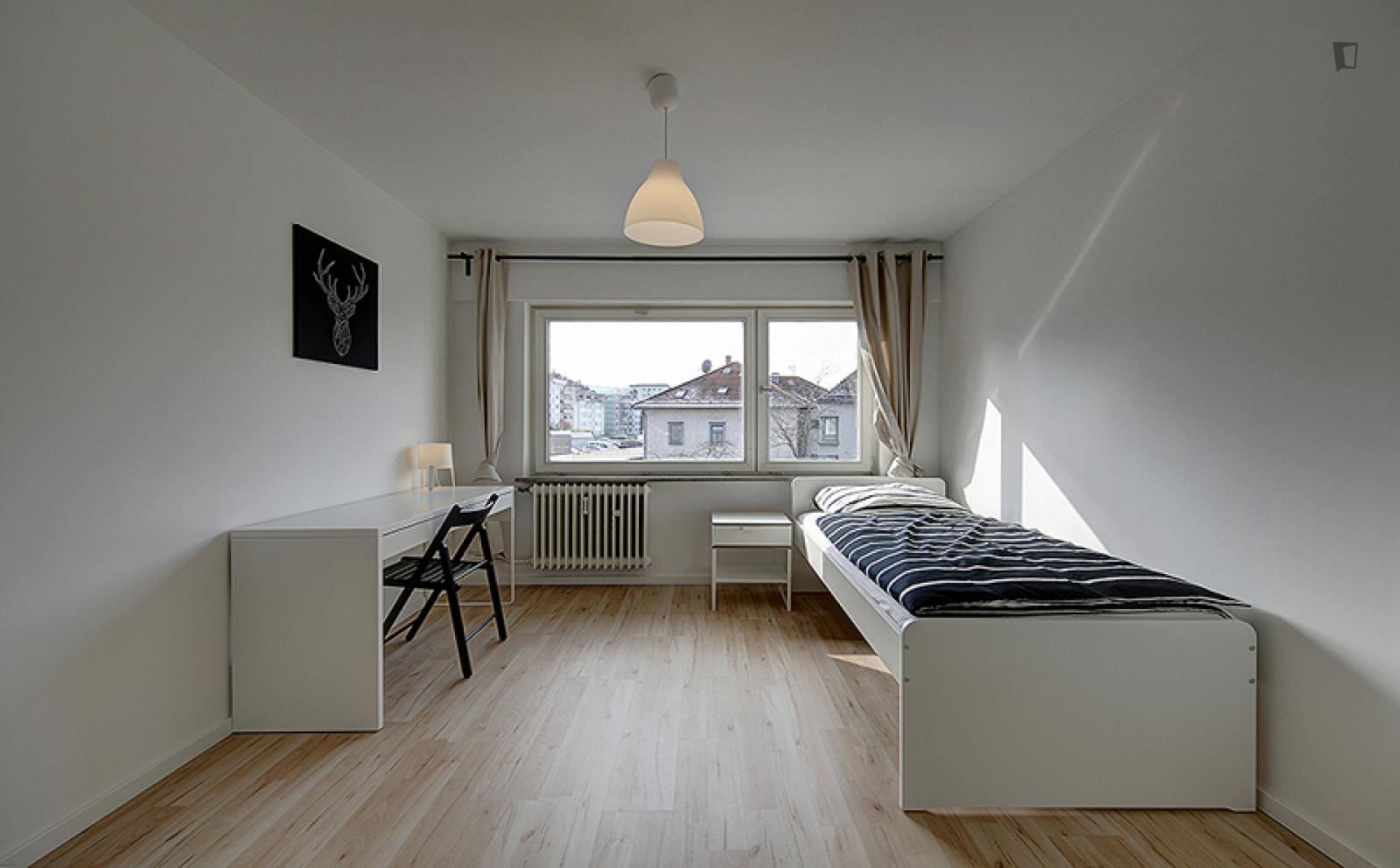 Charlottenstraße - 669EUR / month