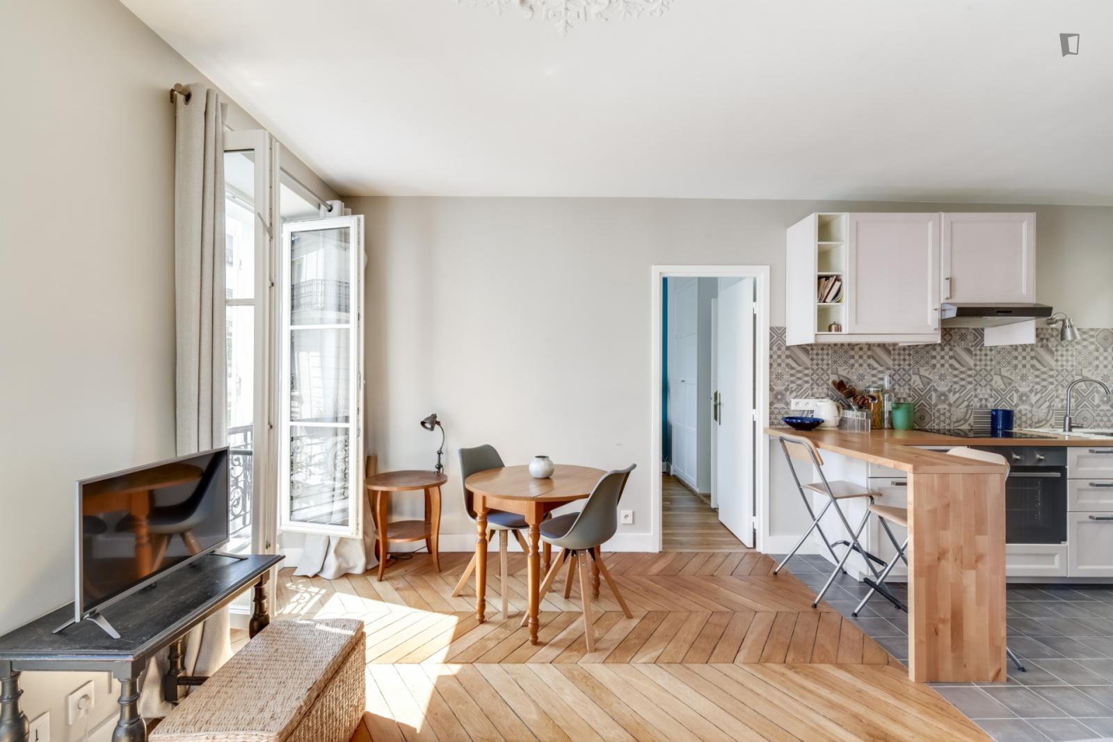 44 Rue Pierre Nicole, 5th arrondissement of Paris, FR-75 - 1,955 EUR/ month