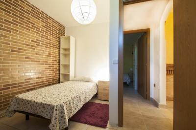 Single bedroom in a residence, in residential Villaviciosa de Odón