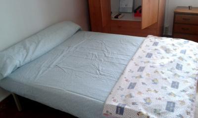 Pleasant bedroom close to the university