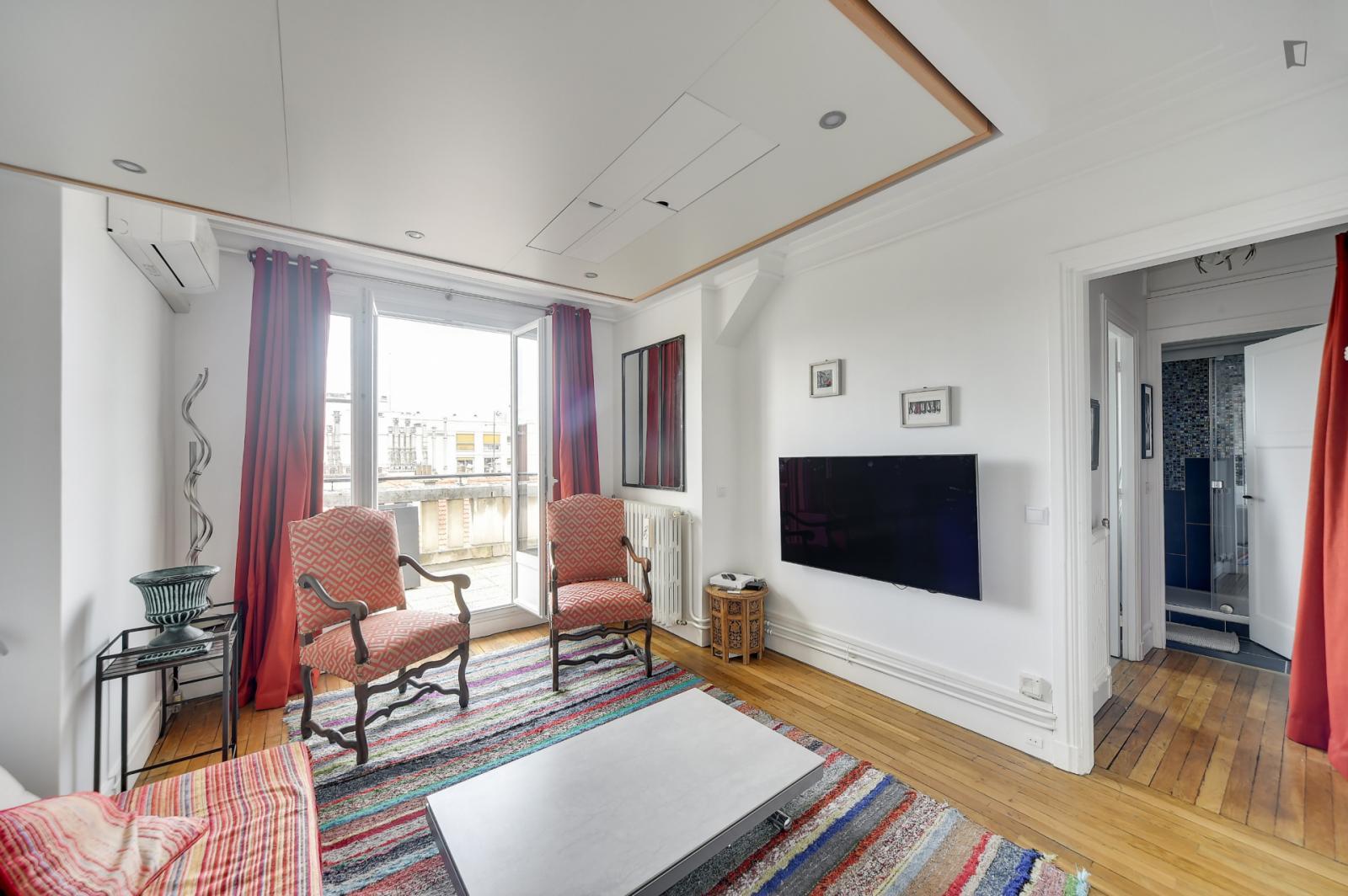 Villa Poirier, 15th arrondissement of Paris, FR-75 - 1,475 EUR/ month