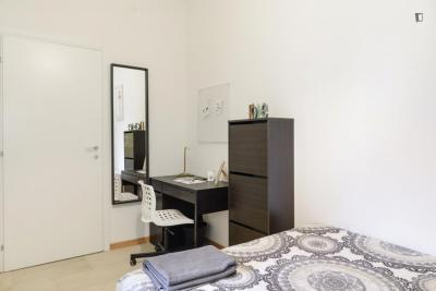 Modern double bedroom in a 4-bedroom apartment near Primaticcio M1 metro station