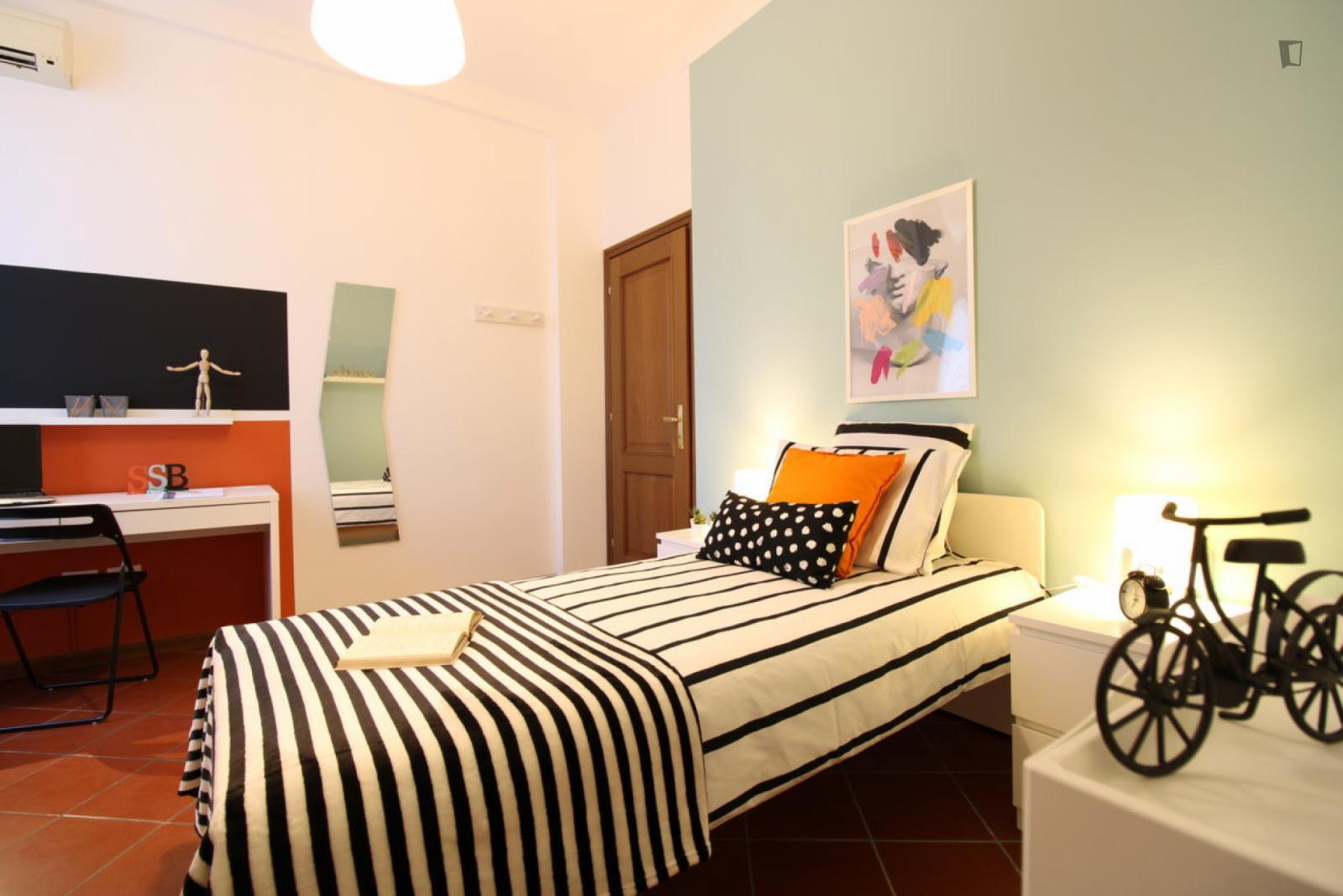 Via Trieste, Brescia, IT-BS - 450 EUR/ month