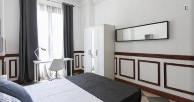 Large double bedroom in Malasaña