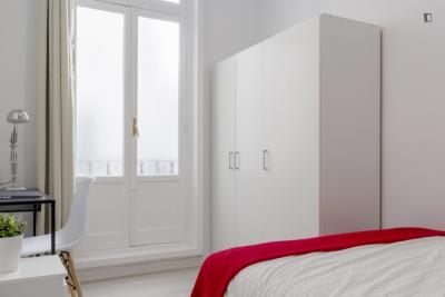 Student-friendly double bedroom in Malasaña