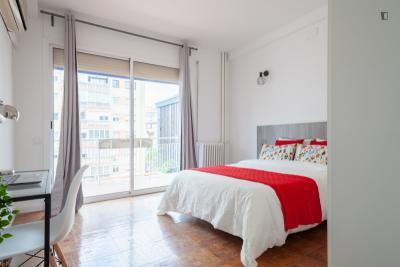 Stupendous double bedroom in the modern Sant Gervasi neigbourhood