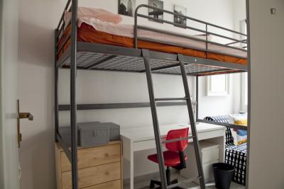 Cool and comfy single bedroom next to Villa Ada