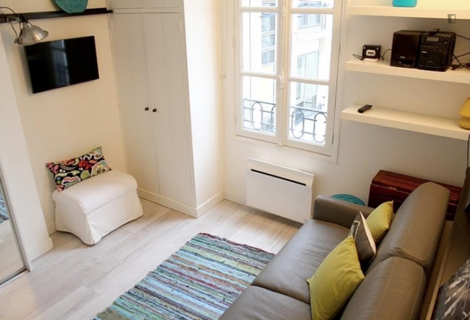 Rue Marsollier, 2nd arrondissement of Paris, FR-75 - 845 EUR/ month