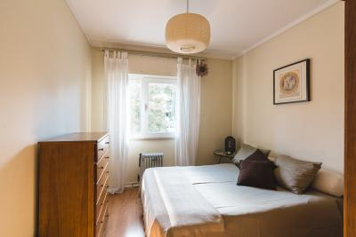 Bright double bedroom near Universidade de Lisboa