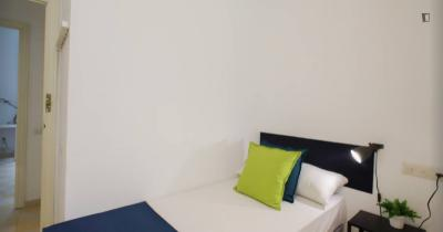Single bedroom in Russafa