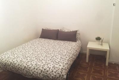 Double bedroom in welcoming 11-bedroom apartment in Opera