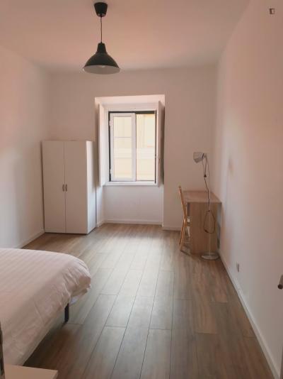 双人床卧室 in 8-卧室 公寓