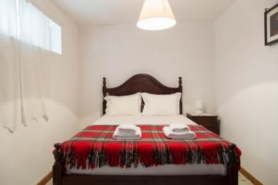 Homely single room in Foz do Douro