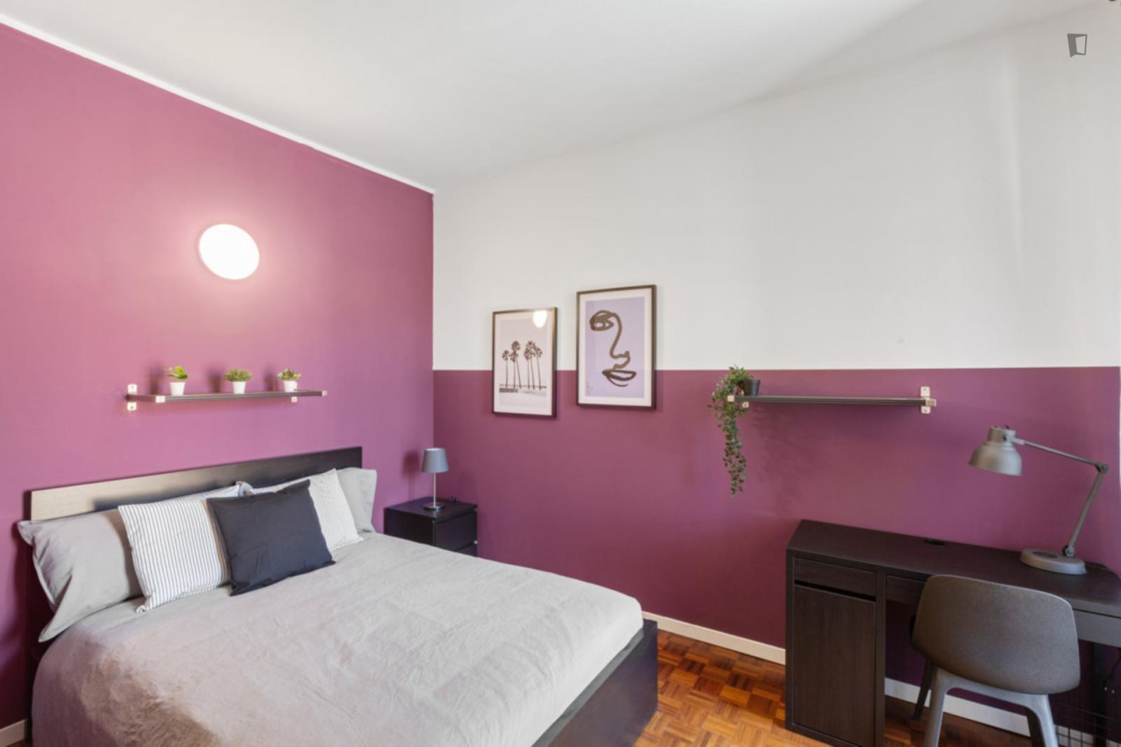 Via Bronzino, Milan, TN - 350 USD/ month