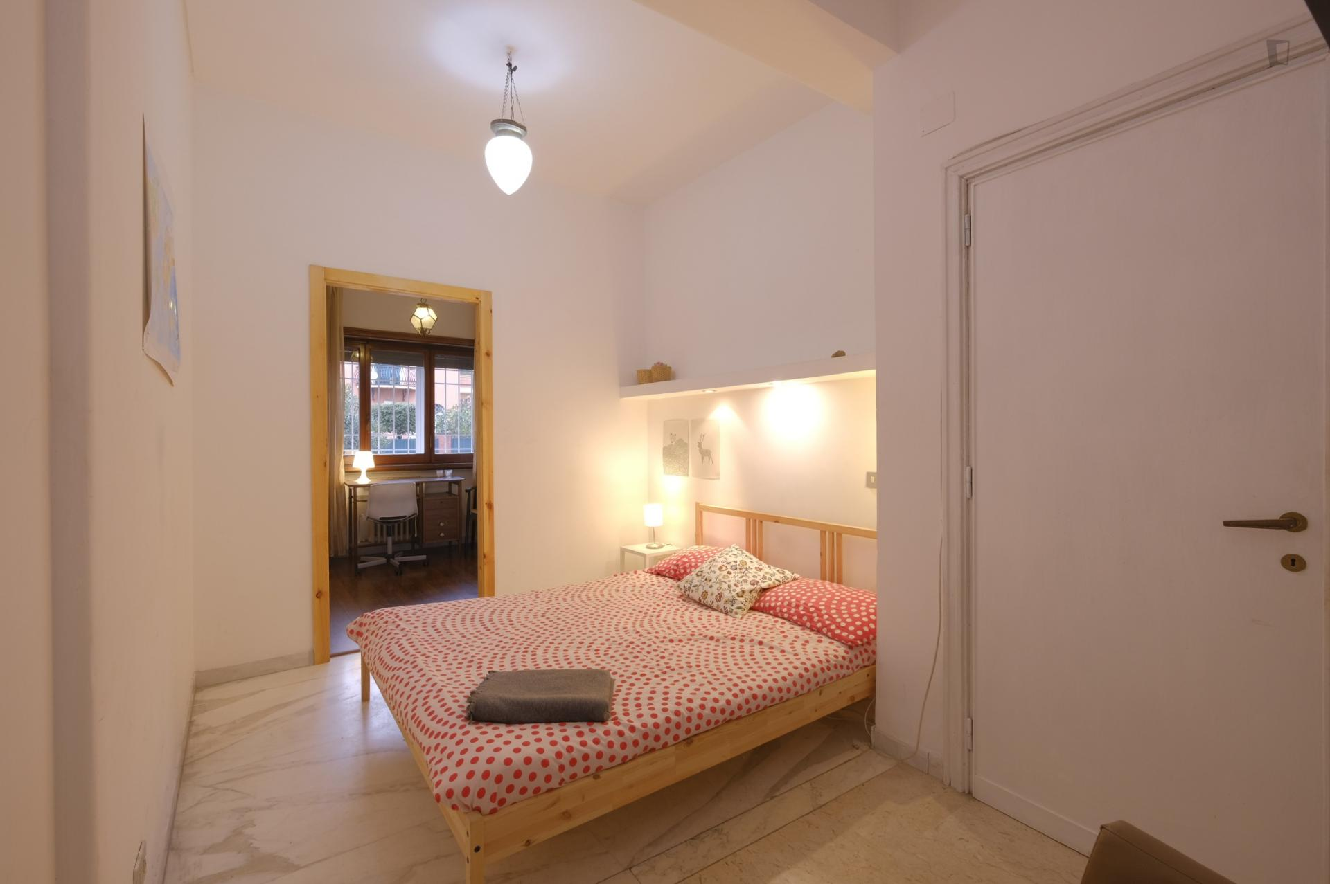 For Rent 4 bed Room in Rome Rome-City Lazio Italy, 550 EUR ...