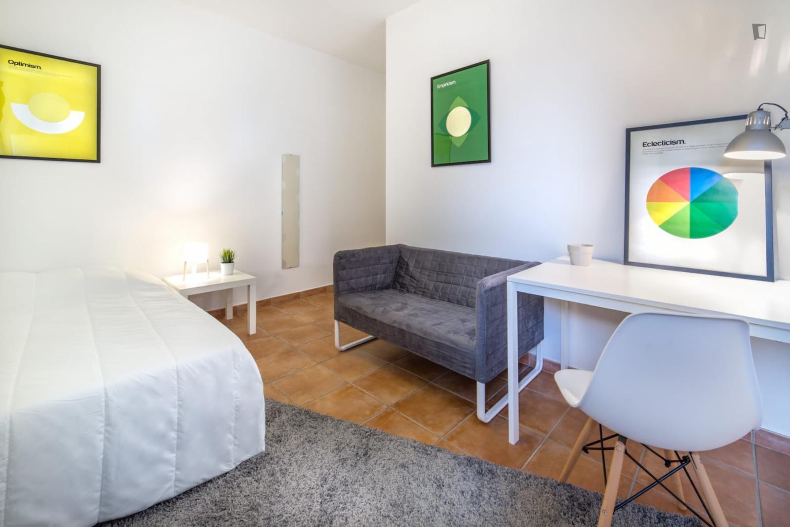 Rue Brueys, Montpellier, FR-34 - 498 EUR/ month