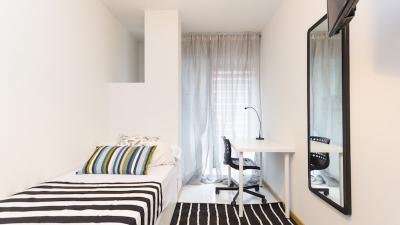 habitación individual brillante en Castillejos, cerca de la estación de metro de Tetuán