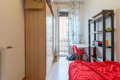 Light single bedroom in an apartment, placed not far from Universidad Camilo José Cela