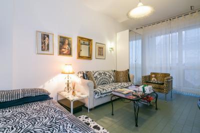 Double bedroom, with balcony, in 2-bedroom apartment