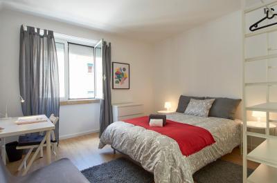 Airy double bedroom in Penha de França