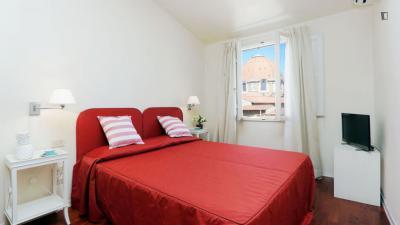 Alluring 1-bedroom apartment near Battistero di San Giovanni