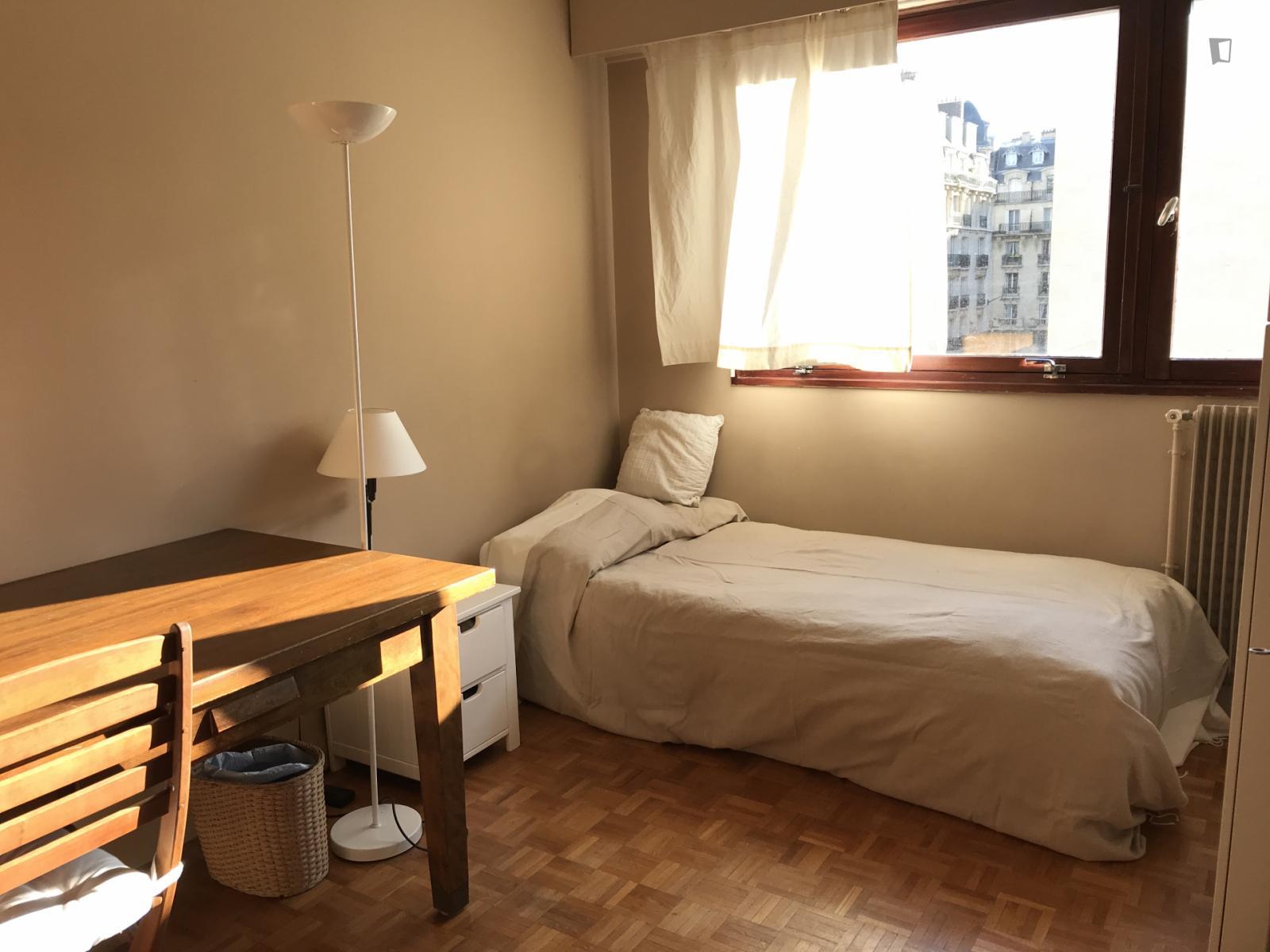 rue Albert de Lapparent - 850EUR / month
