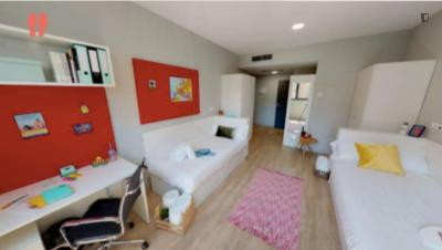 Amazing twin bedroom in a modern residence near Vicente Aleixandre metro stop