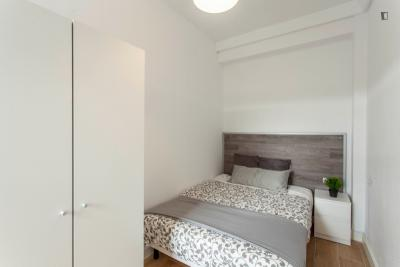 Charming double bedroom close to Plaça d'Europa