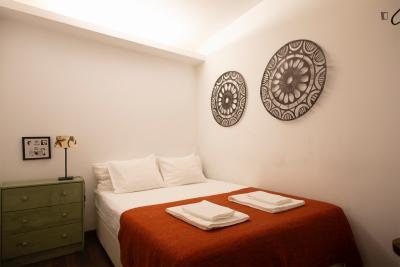 Delightful 2-bedroom apartment in historical Alfama