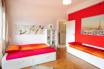 Incredible twin bedroom in Trieste