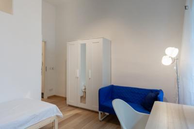 Nice single bedroom in a student flat, in Prenzlauer Berg
